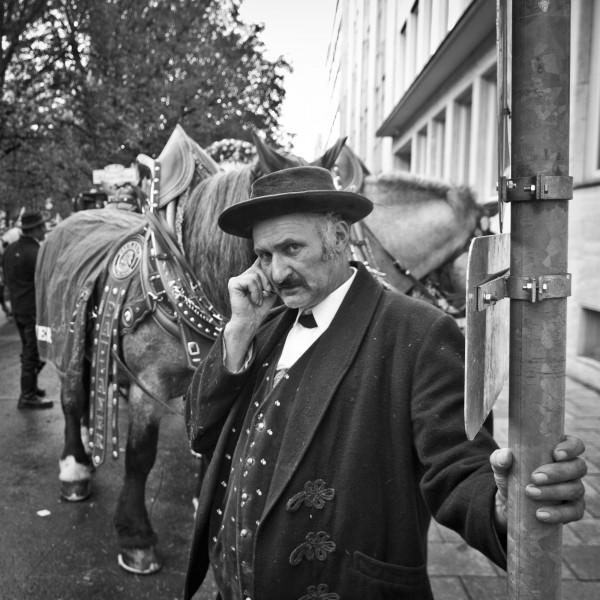 Pferdekutscher in Tracht